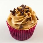 Cupcake de chocolate y cacahuete.