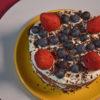 Tarta decorada de manera sencilla