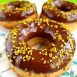 Donuts o donas de kefir y chocolates saludables